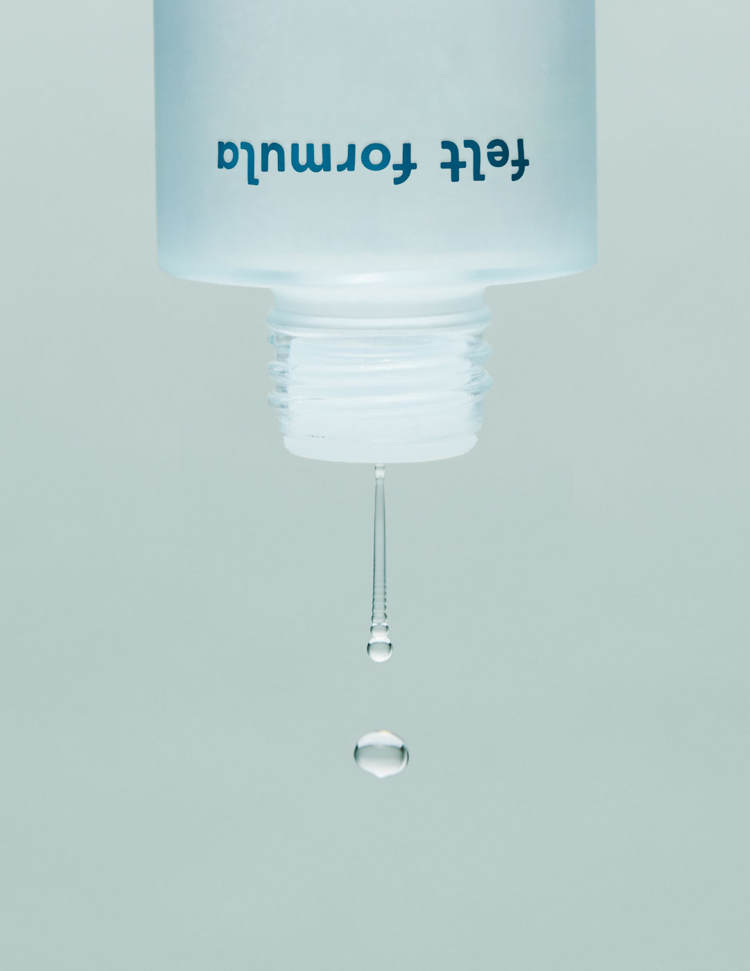 FELT_DETAILS_HYDRATE-ESSENCE_BOTTLE