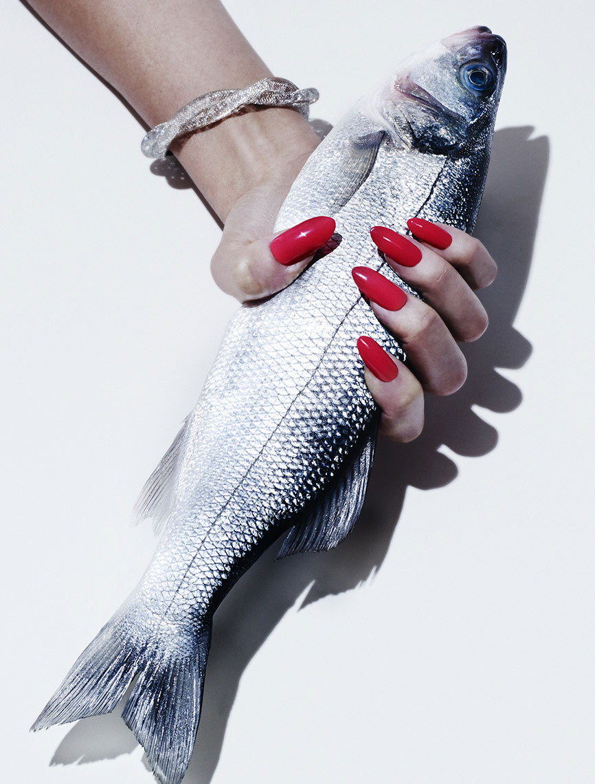 Filler_NAILS_Fish_SingleHand